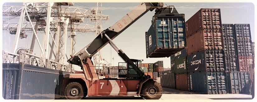 Imagen ornamental - Operando con contenedores en un puerto - (c) José M. Alarcón 2018