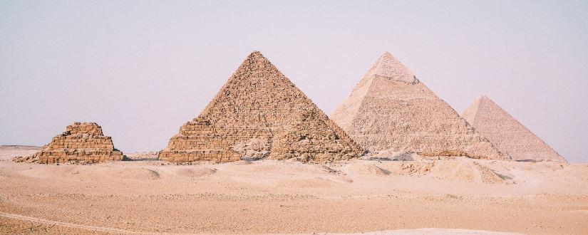 Foto de las pirámides de Giza, por Leonardo Ramos, CC0