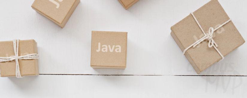 Imagen ornamental. Cajas con Java escrito en la tapa. Foto original de Leone Venter en Unsplash