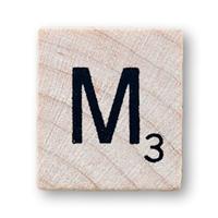 Imagen ornamental. Letra M en el scrabble. elaboración propia de campusMVP.