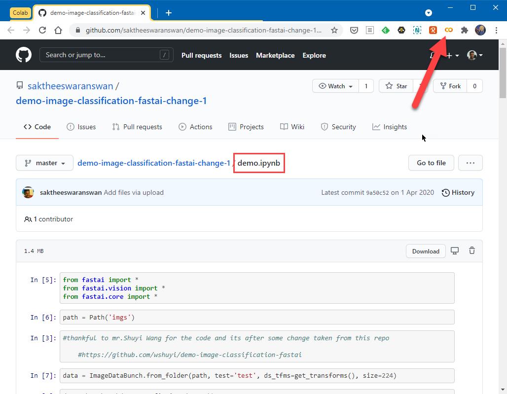 La imagen muestra a Chrome con la página de GitHub abierta y el botón de la extensión señalado con una flecha